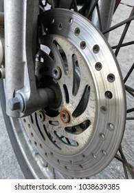 Brake pads attached to the shock absorbers and wheels of motorcycles. It's time to change