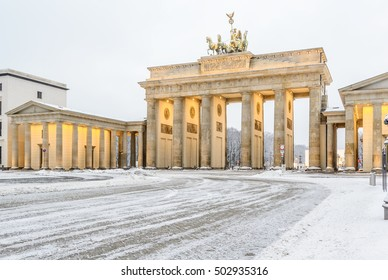 Brandenburg gate (Brandenburger Tor) in snow, Berlin, Germany, Europe