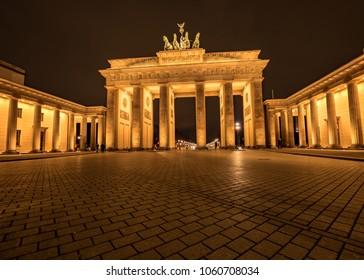 The Brandenburg Gate in nocturnal mood.