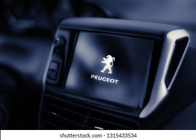 Brasilia, Distrito Federal - Brasil. Feb. 13, 2019. Picture of the multimedia center of the car peugeot 208 aut. 1.6 griffe 2014.