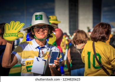 Brasilia/DF/Brazil - 04-17-2016: Baiana smiling, in front of the National Congress, awaiting the vote of the Impeachment of Dilma Rousseff