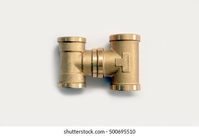 Brass fittings, plumbing fittings for heating and plumbing systems. brass tee joint