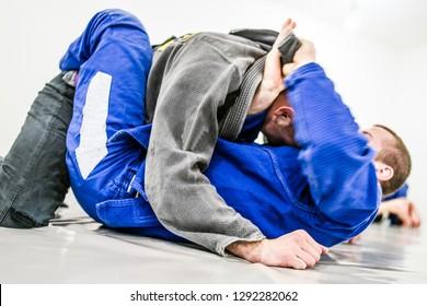 Brazilian Jiu jitsu Training, lapel Choke