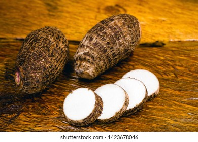 Brazilian potato known as yam. In some places, it is common to refer to the following species Alocasia, Colocasia, Xanthosoma, and Ipomoea, also as yam. Their tubers are also called yams.