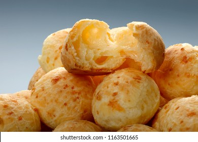 Brazilian snack cheese bread