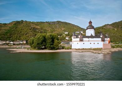 BRD, KAUB - 2019: Boat trip on the river Rhein, at Zollburg Pfalzgrafenstein with castle Gutenfels in Kaub, Rheingau and Rheinland-Pfalz, Germany