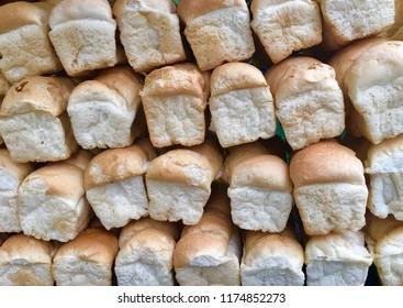 bread loaves. many bread loaves. bread. bread loaves background