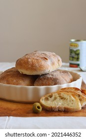 bread olive food foodphotography bakery