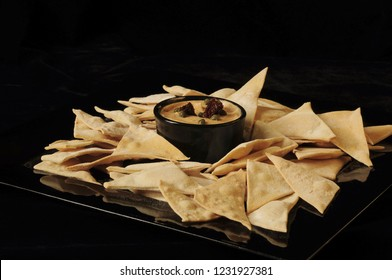 Bread triangles as snack with dip