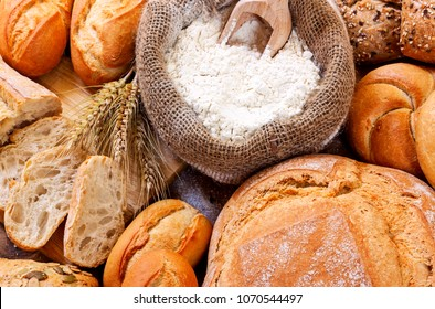 breads on background
