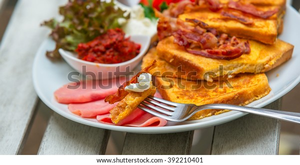 Breakfast, French toast, high-calorie meal, fried toast