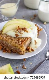 Breakfast Oatmeal Bake with Apples