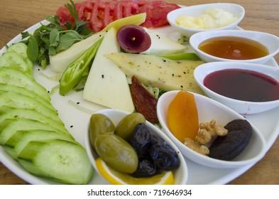 breakfast plate on wooden table