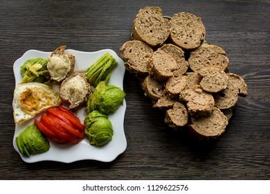 Breakfast plate setup