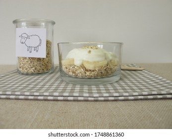 Breakfast with sheep quark, rolled oats and banana