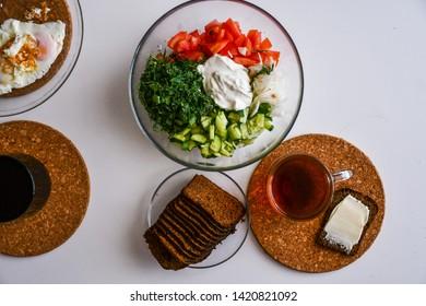 Breakfast ta salat bread sandwich