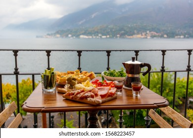 Breakfast with a view over Lake Como.