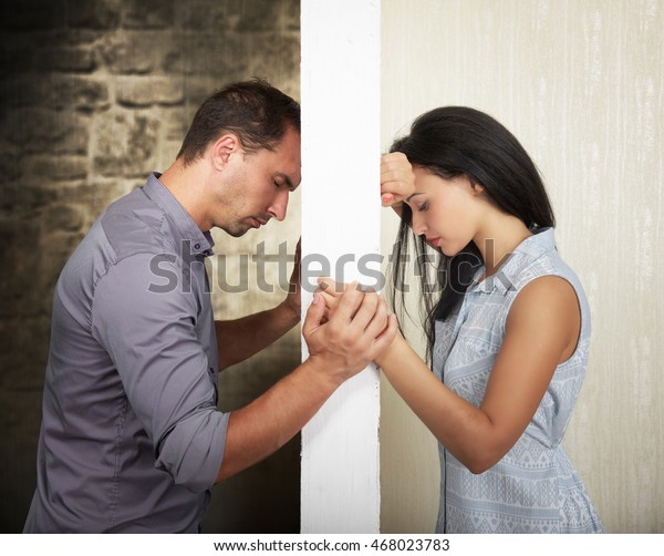 Die Barriere zwischen zwei Menschen zu durchbrechen, Konzept