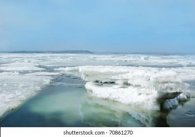 breaking spring floating ice