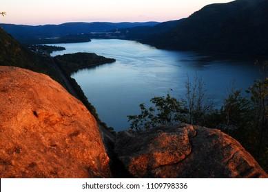 Breakneck Ridge offers a splendid view of the Hudson Highlands at sunset