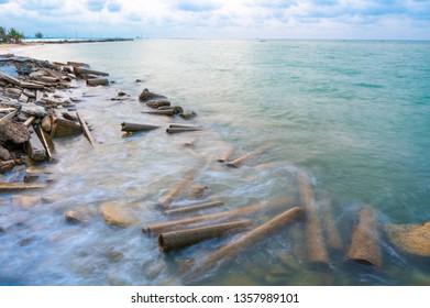 Breakwaters from concrete tube