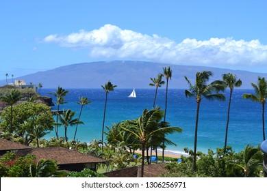 Breathtaking beautiful view of the Kaanapali Beach on Maui Island, Hawaii towards Molokai