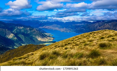 Breathtaking Lake Hawea view from the top of the Isthmus Peak Track, Otago, South Island, New Zealand