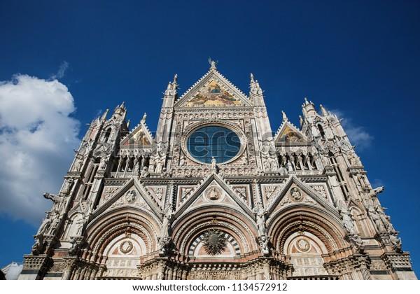 breathtaking-view-siena-cathedral-santa-