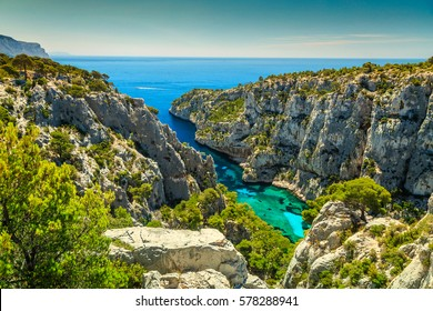 Breathtaking viewpoint on the cliffs, Calanques D'En Vau bay, Calanques National Park near Cassis fishing village, Provence, South France, Europe