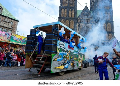 Bremen, Germany, October 22, 2016:Fancy parade with musicians and car decorates during the annual celebration of the Bremen free market (German: Bremer Freimarkt)