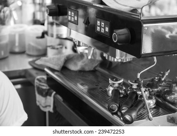 Brewer and Coffee Maker on the restaurant bar