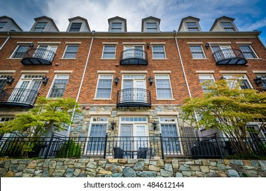 Nice Brick Apartment Building In Alexandria, Virginia.