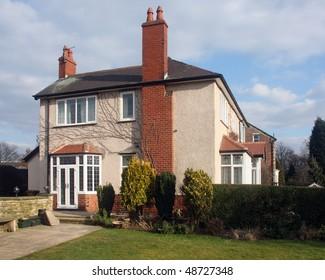 Brick & Render detached house in UK