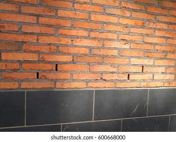 Brick ventilated facade with ventilation gaps