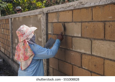 Bricklayer in site