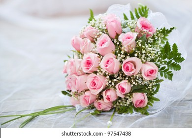 Bridal bouquet of fresh roses.