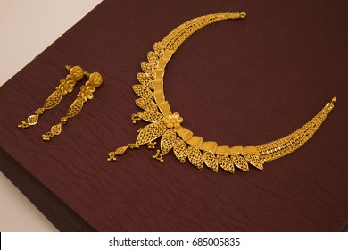 Gold Jewellery Images, Stock Photos & Vectors | Shutterstock