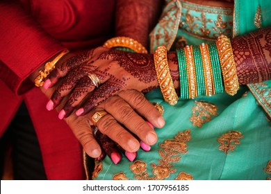 Bridal hand art drawing design is the famous traditional of art during Indian wedding in Malaysia as well. The bridal will usually hire an artist to draw for them a day before the wedding.