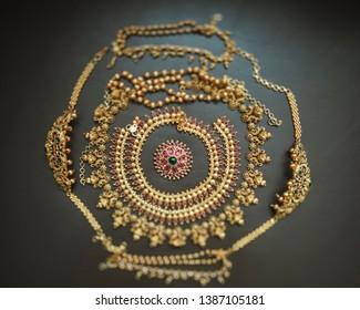 Bridal wedding gold jewellery accessoires