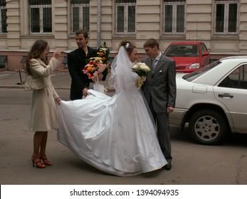 Bride and Groom Speech Images, Stock Photos & Vectors