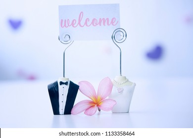 bride and groom Figure Card Holder with welcome note