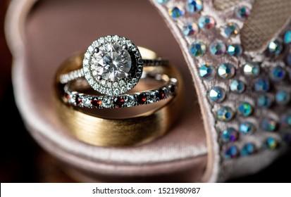 Bride and groom wedding rings jewlery