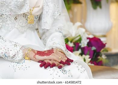 Bride Hands Mehndi Tattoo Hands Malay Stock Photo Edit Now 614581472
