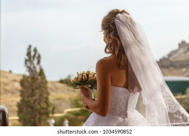 bride on the balcony