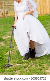 A bride shod in military boots with a minesweeper