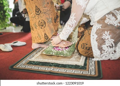 Pengantin Jawa Images Stock Photos Vectors Shutterstock