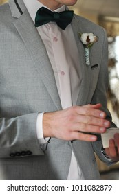 bridegroom with boutonniere