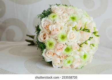 Bride's bouquet of pink roses