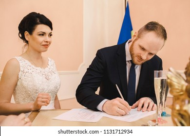 the brides put the signatures in the registry office