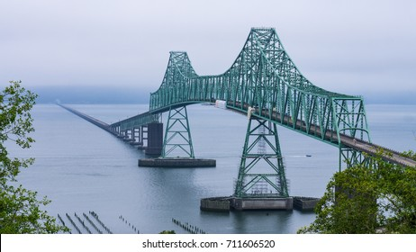 The Astoria–Megler Bridge between Oregon and Washington States on the Columbia River.